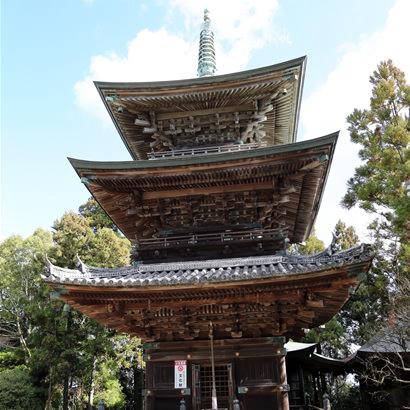 Senzan Senkoji Temple: Three-storey pagoda