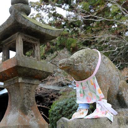 Senzan Senkoji Temple: A pair of Koma-Inoshishi (wild boar statues)