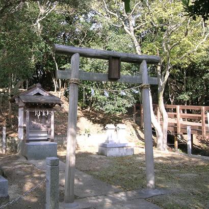 Izushi Jinja Shinto Shrine (Oishi Jinja Shinto Shrine)