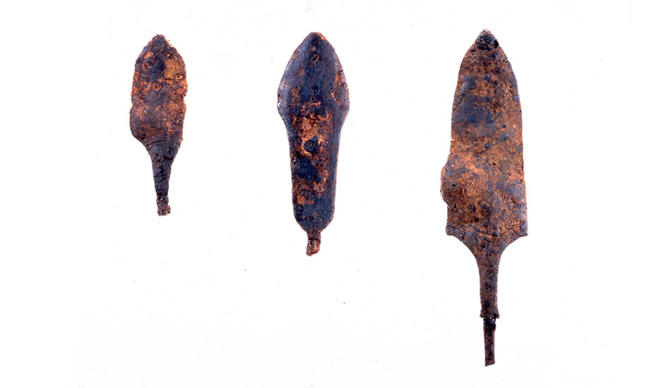 Shiotsubonishi Archeological Site: Iron arrowheads (Courtesy of Hyogo Prefectural Museum of Archeology)